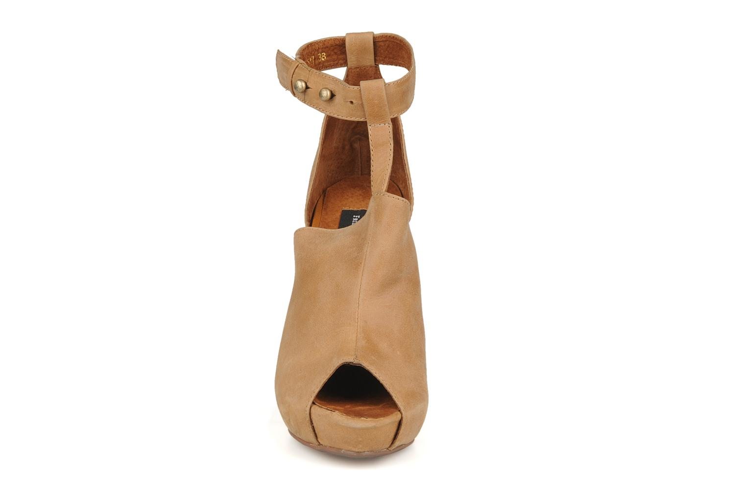 Sandals Friis & company Valerie Beige model view