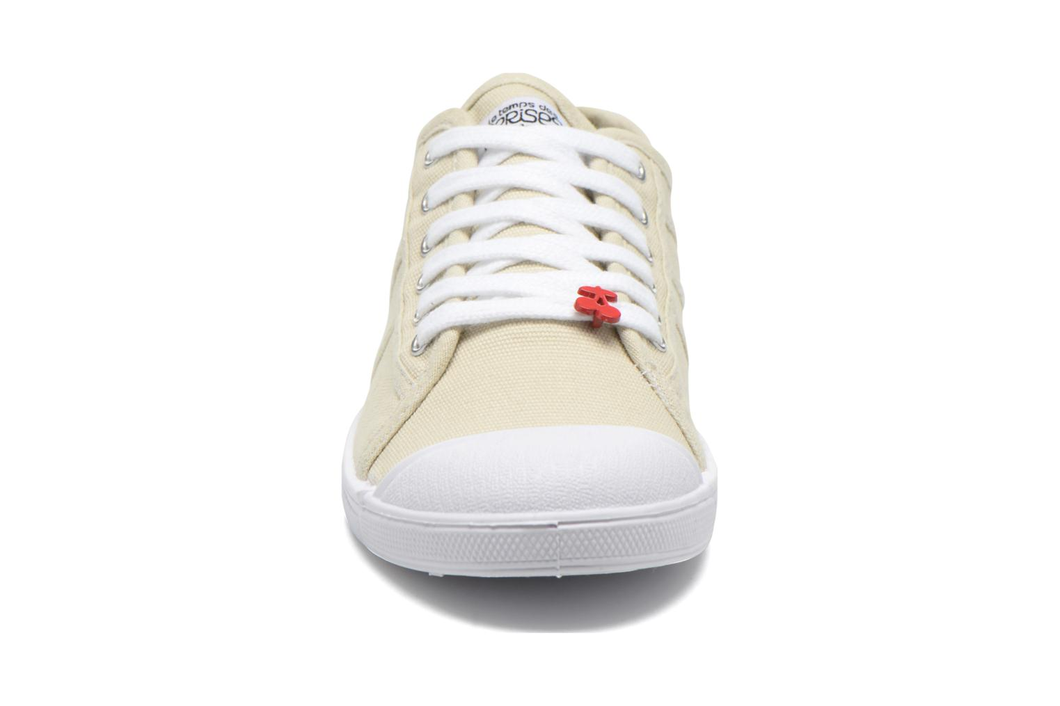 Trainers Le temps des cerises Basic 02 Beige model view
