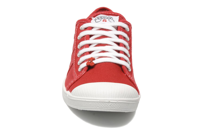 Baskets Le temps des cerises Basic 02 Rouge vue portées chaussures