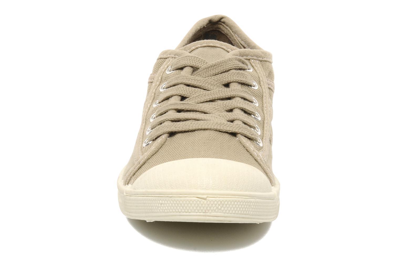 Sneaker Le temps des cerises Basic 02 beige schuhe getragen