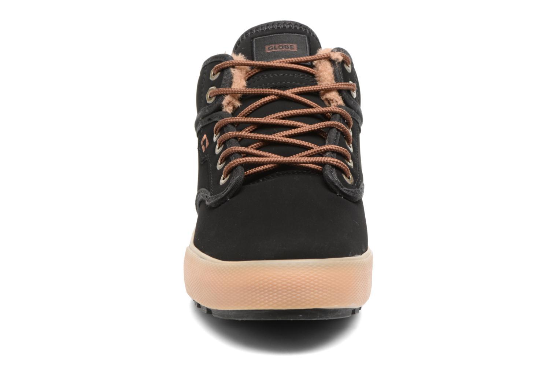 Sport shoes Globe Motley mid Black model view