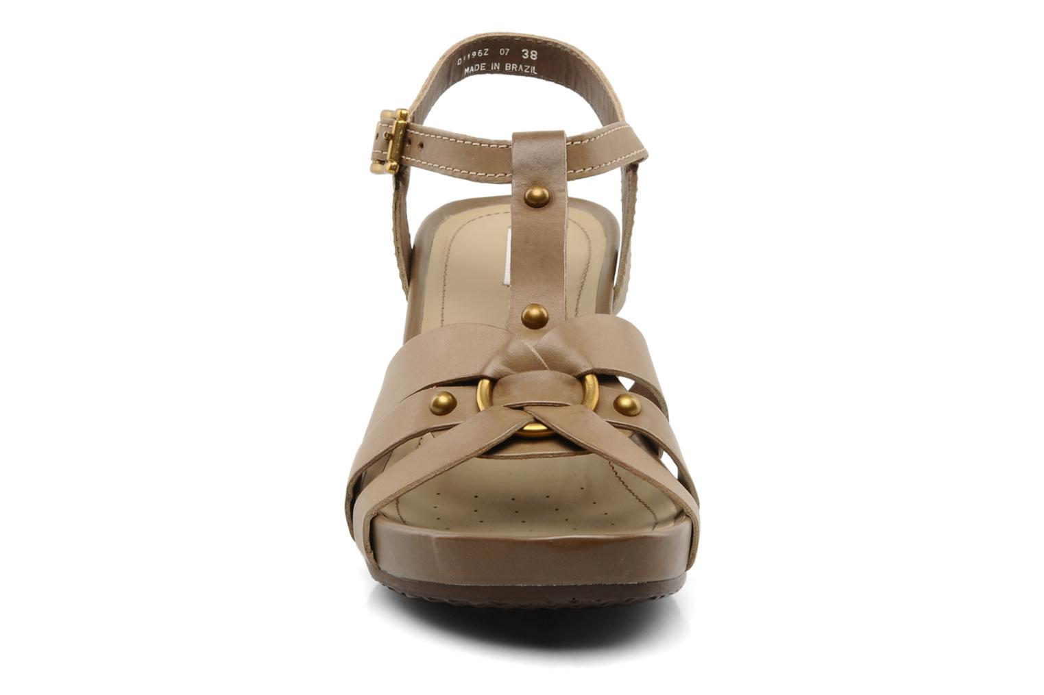 Sandals Geox D roxy z Brown model view
