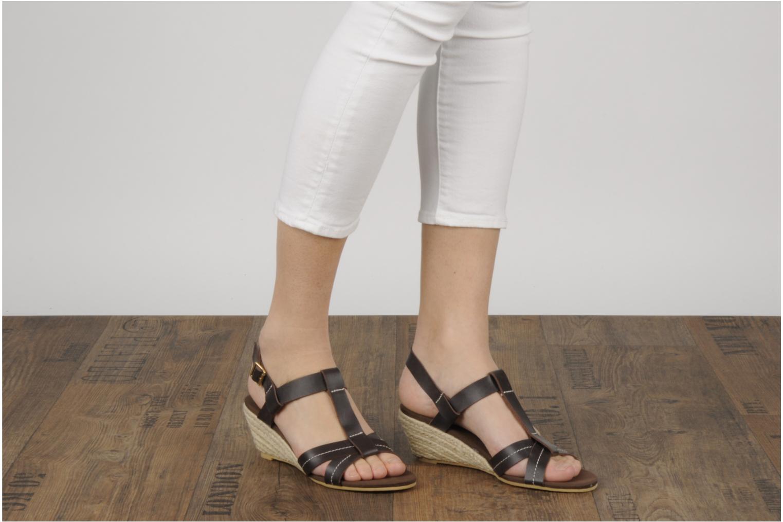 Sandales et nu-pieds Georgia Rose Mirna Marron vue bas / vue portée sac