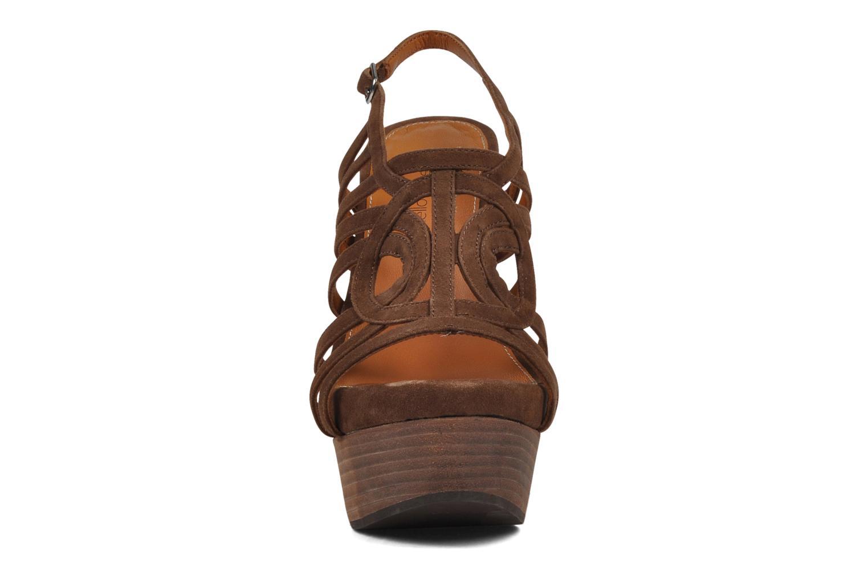Sandales et nu-pieds Mellow Yellow Jenvy Marron vue portées chaussures