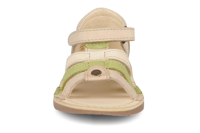 Sandales et nu-pieds Kickers Woopy Beige vue portées chaussures