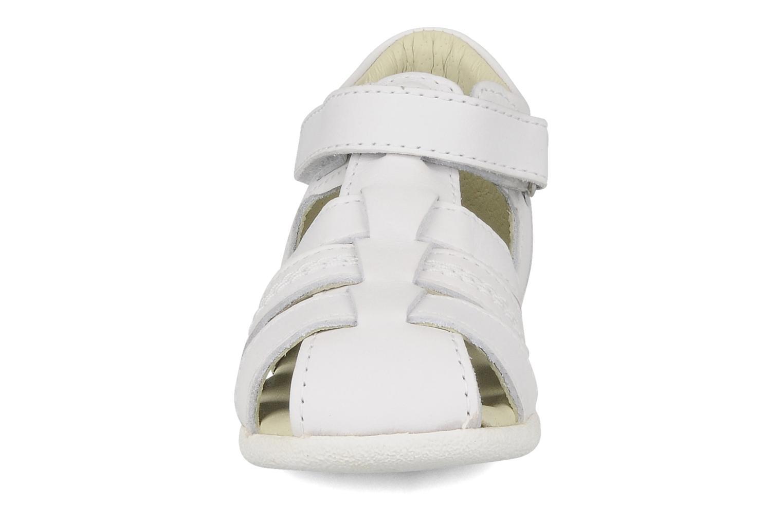 Sandales et nu-pieds Kickers Babysun Blanc vue portées chaussures
