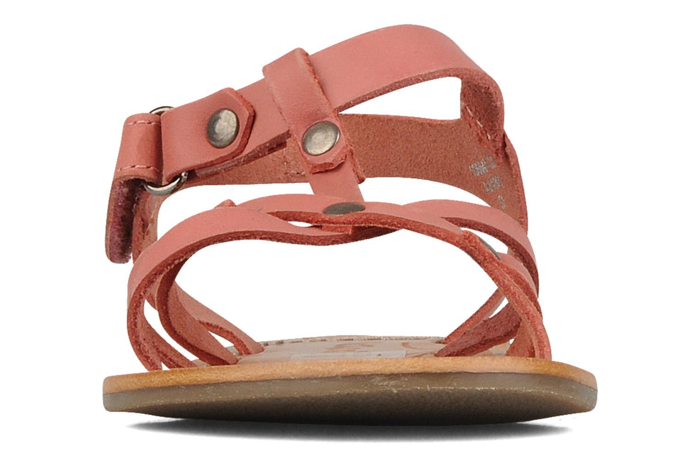 Sandales et nu-pieds Kickers Dialecta Rose vue portées chaussures