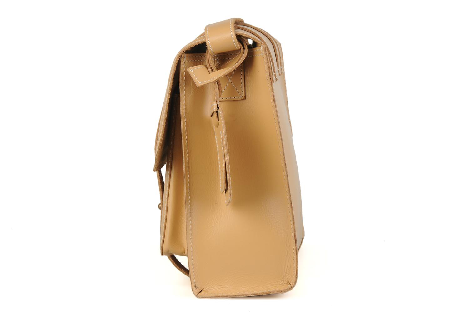 Handbags Friis & company Fold leather bag Beige view from the right