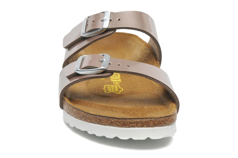Mules et sabots Birkenstock Sydney Flor W Marron vue portées chaussures