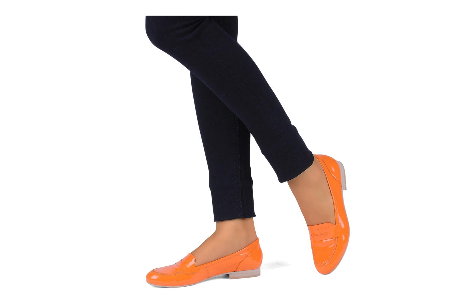Loafers Georgia Rose Afuro Orange view from underneath / model view