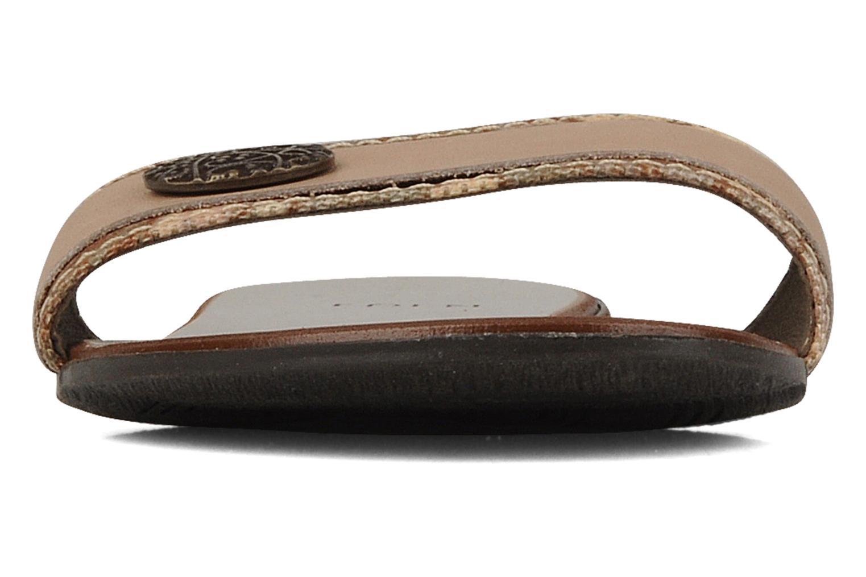 Mules et sabots Eden Plancha Beige vue portées chaussures
