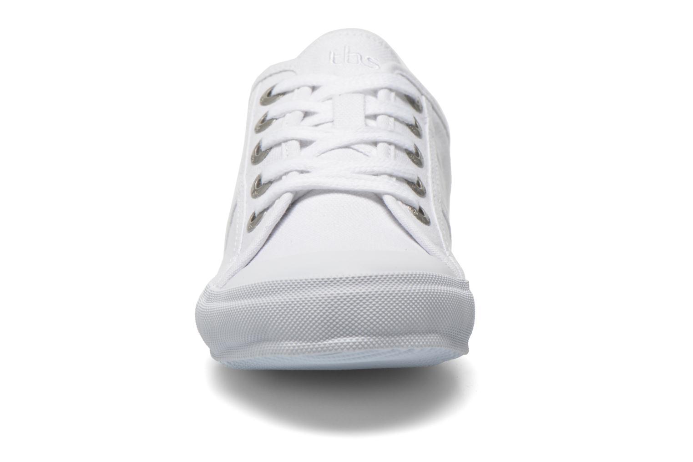 Baskets TBS Opiace Blanc vue portées chaussures