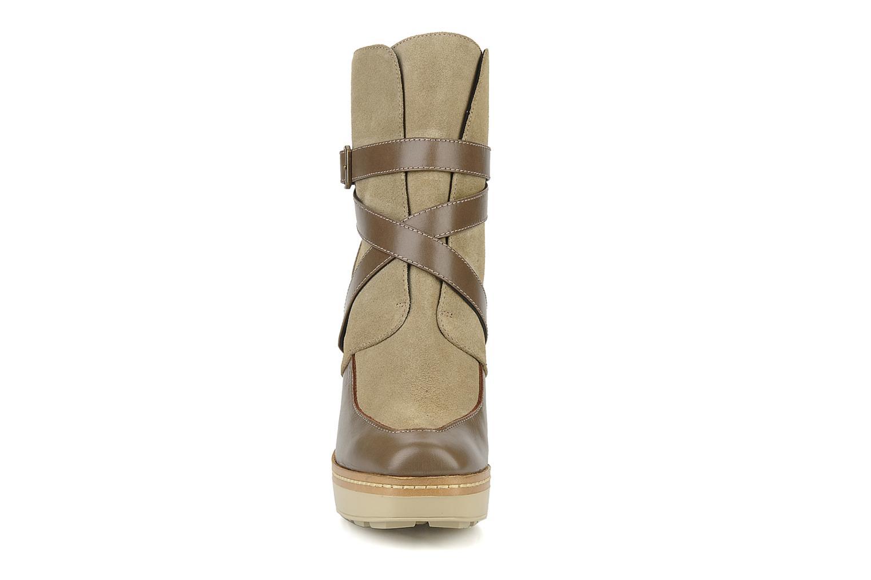 Bottines et boots Castaner Basel Beige vue portées chaussures