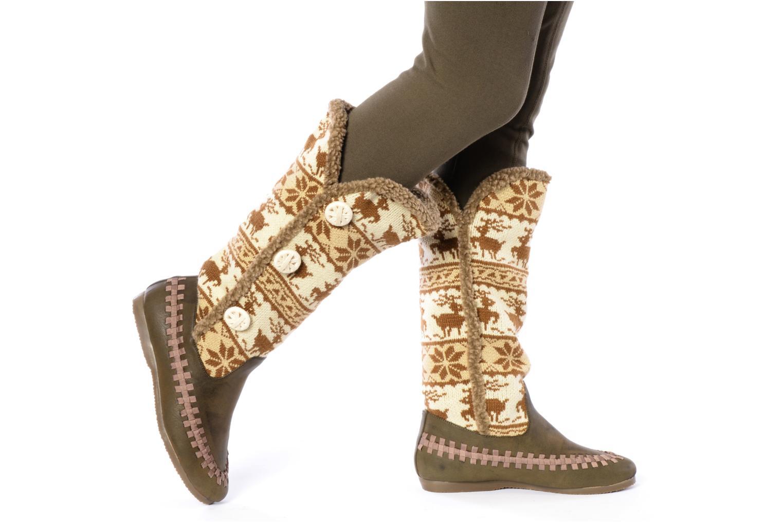 Stiefel Chocolate Schubar Fafia braun ansicht von unten / tasche getragen