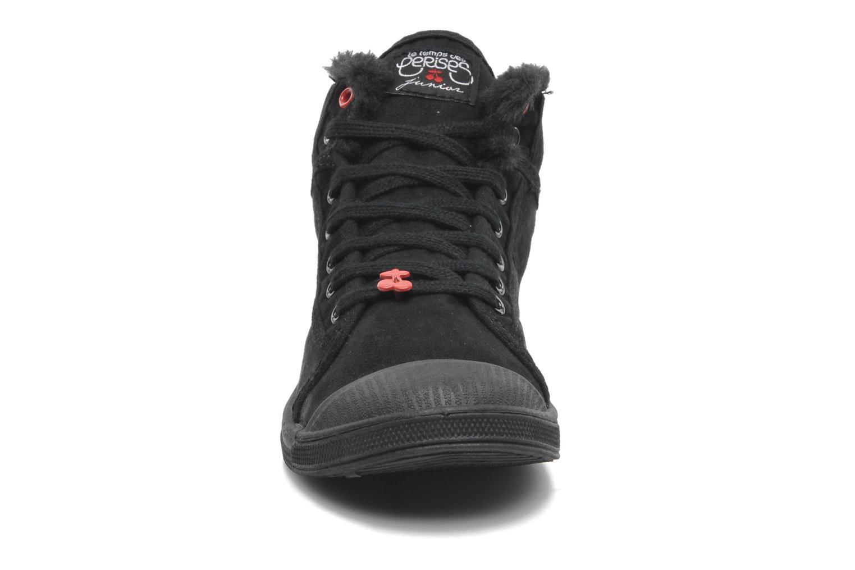 Sneakers Le temps des cerises LC Basic 03 Nero modello indossato