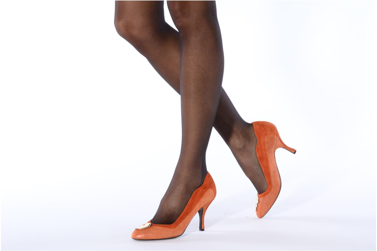 High heels Amelie Pichard Isabella r Brown view from underneath / model view