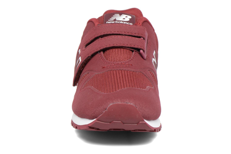 Sneakers New Balance Ka373 Bordò modello indossato