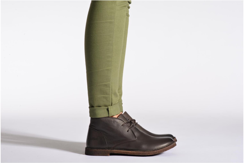 Chaussures à lacets Kickers Crepy Noir vue bas / vue portée sac