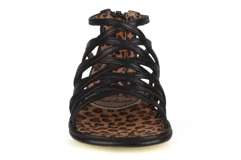Sandales et nu-pieds Free Lance BB TWILY CAGE SANDAL Noir vue portées chaussures