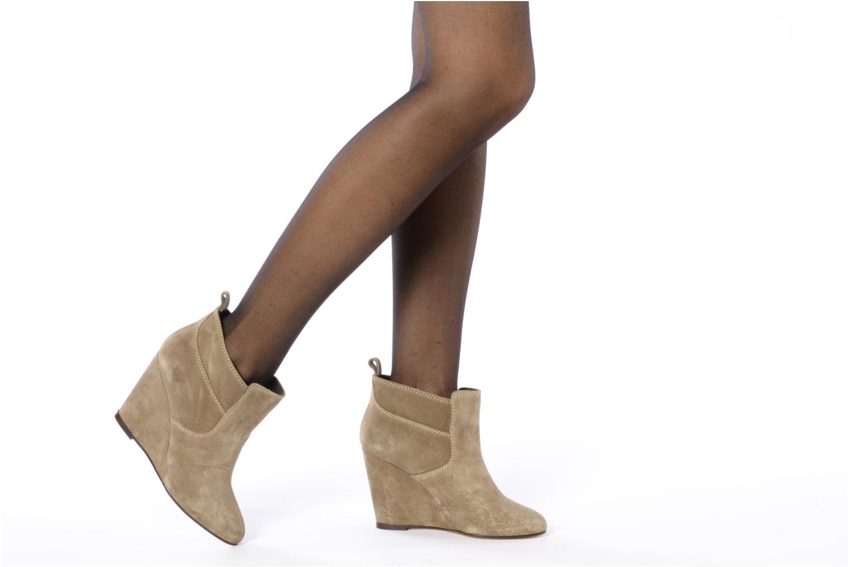 Bottines et boots Tila March Wedge booty stitch suede Beige vue bas / vue portée sac