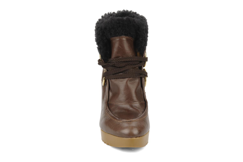 Boots en enkellaarsjes Kéy Té By Kallisté Donata Bruin model