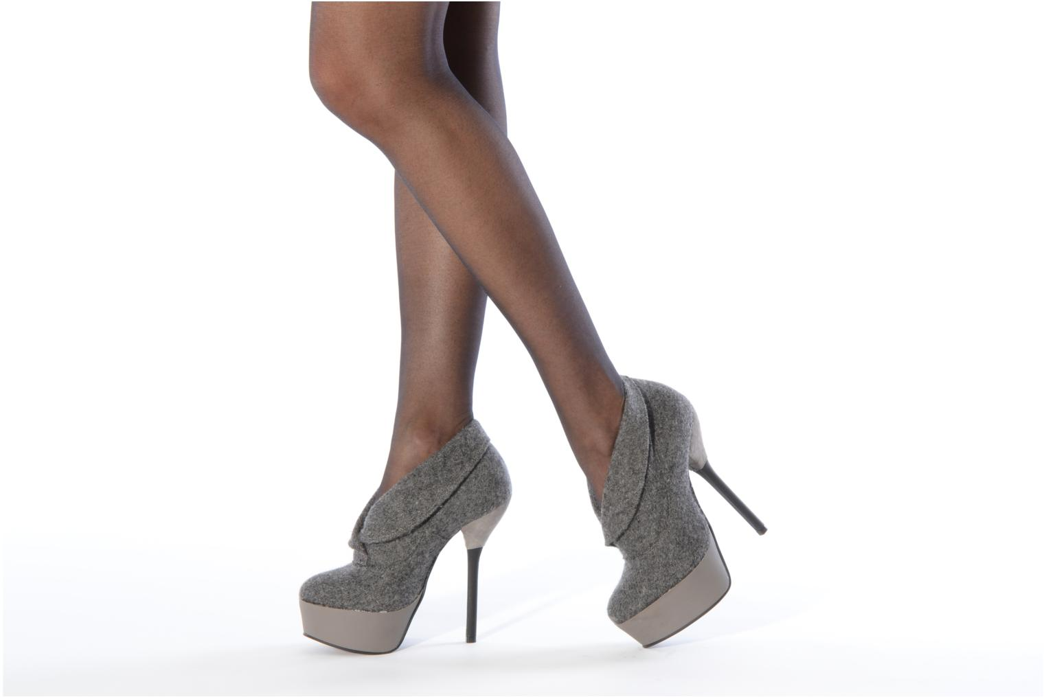 Ankle boots Carvela Stella Grey view from underneath / model view
