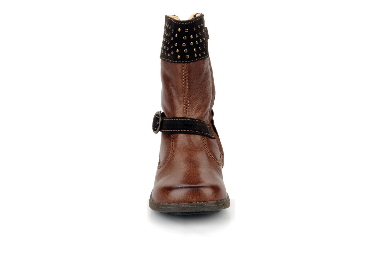 Bottes Primigi Clarice Marron vue portées chaussures