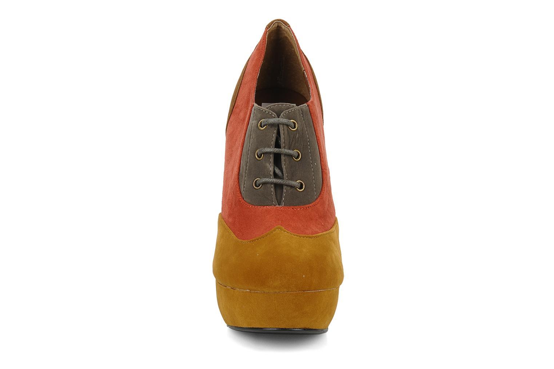 Scarpe con lacci I Love Shoes Jeri Multicolore modello indossato