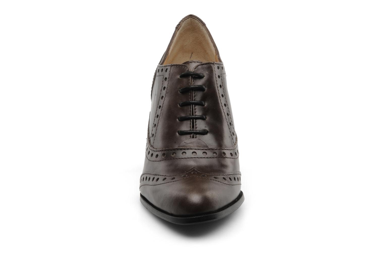 Chaussures à lacets Perlato Vitamine Marron vue portées chaussures