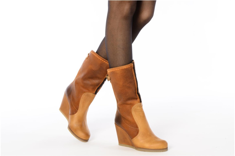 Stiefeletten & Boots Bertie Miguel braun ansicht von unten / tasche getragen