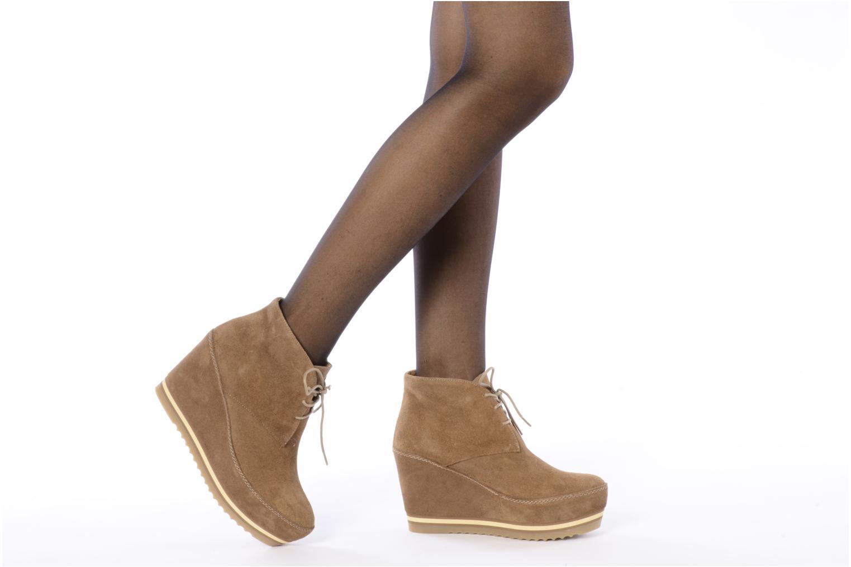 Chaussures à lacets Georgia Rose Viana Marron vue bas / vue portée sac