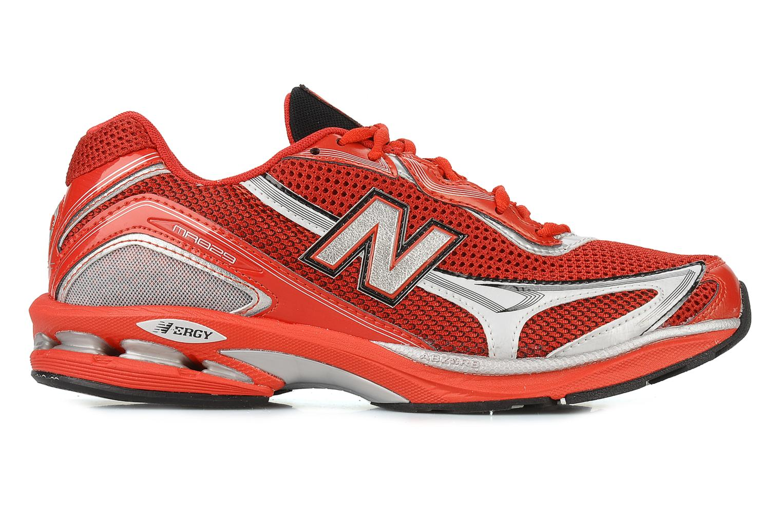 Sport shoes New Balance Mr829 Red back view