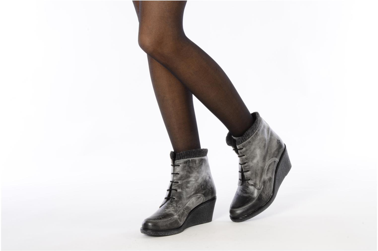 Ankle boots Castaluna Mildred L Grey view from underneath / model view
