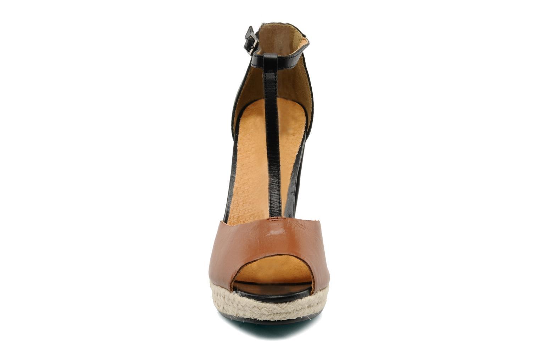 Sandales et nu-pieds Friis & company Briddie Marron vue portées chaussures