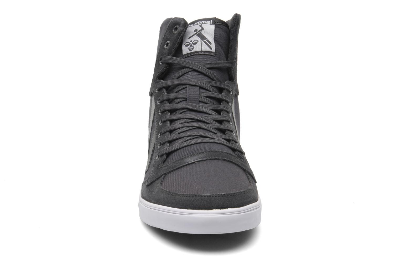 Sneaker Hummel Slimmer Stadil High Canvas grau schuhe getragen