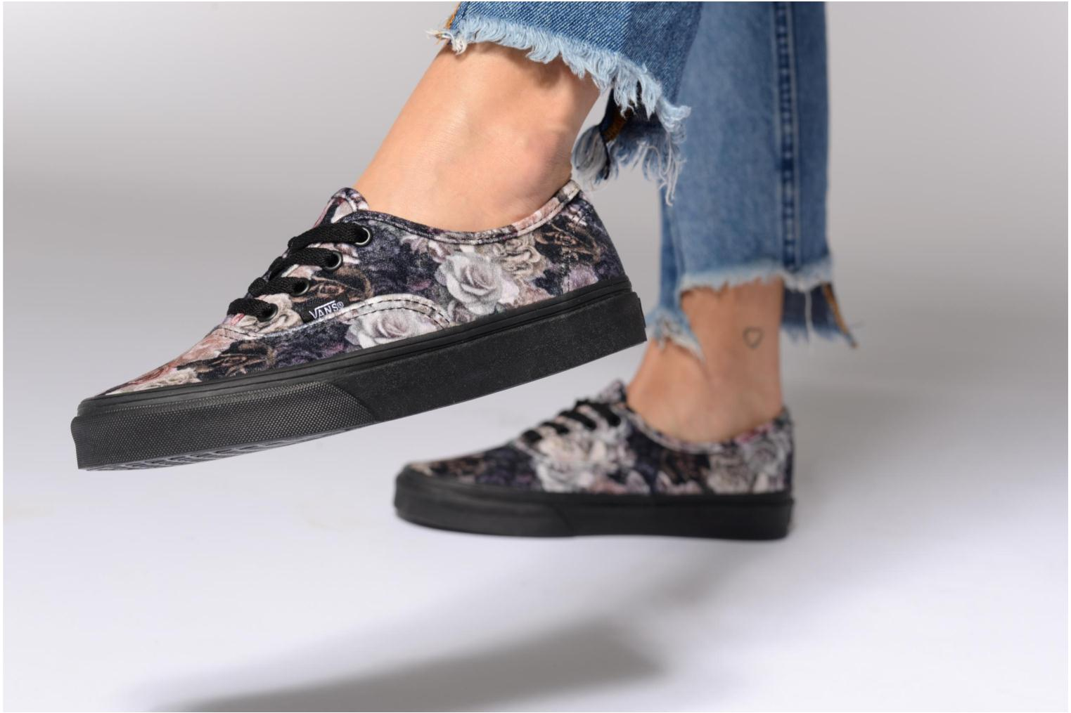 Trainers Vans Authentic w Multicolor view from underneath / model view