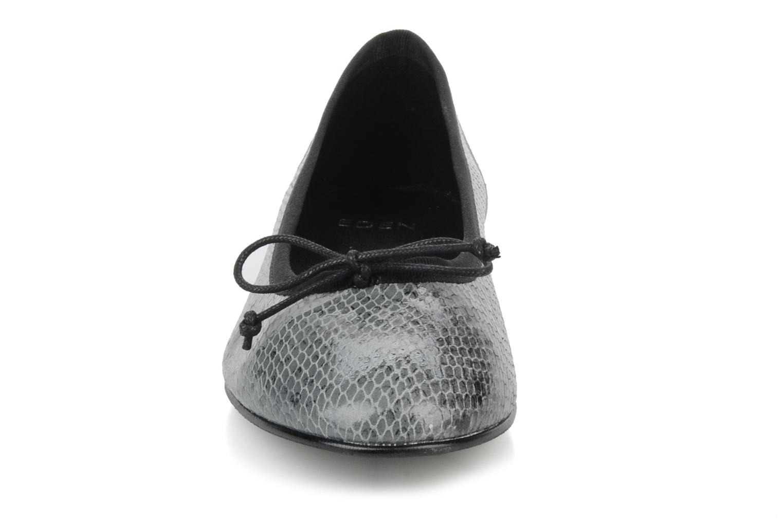 Ballerina Eden Kawi Silver bild av skorna på