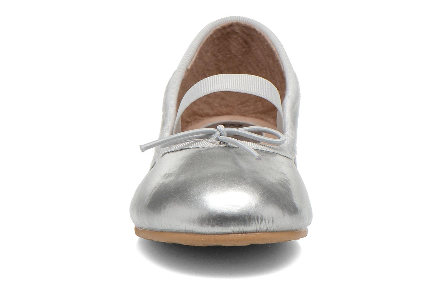 Ballerines Bloch Toddler Cha cha Gris vue portées chaussures