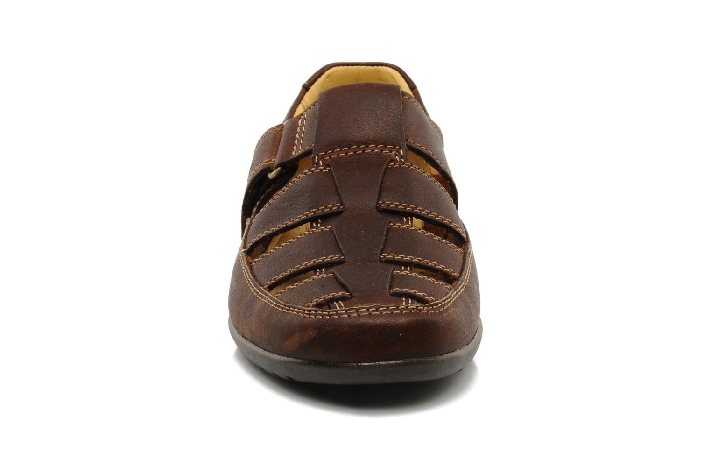 Sandales et nu-pieds Clarks Recline Open Marron vue portées chaussures