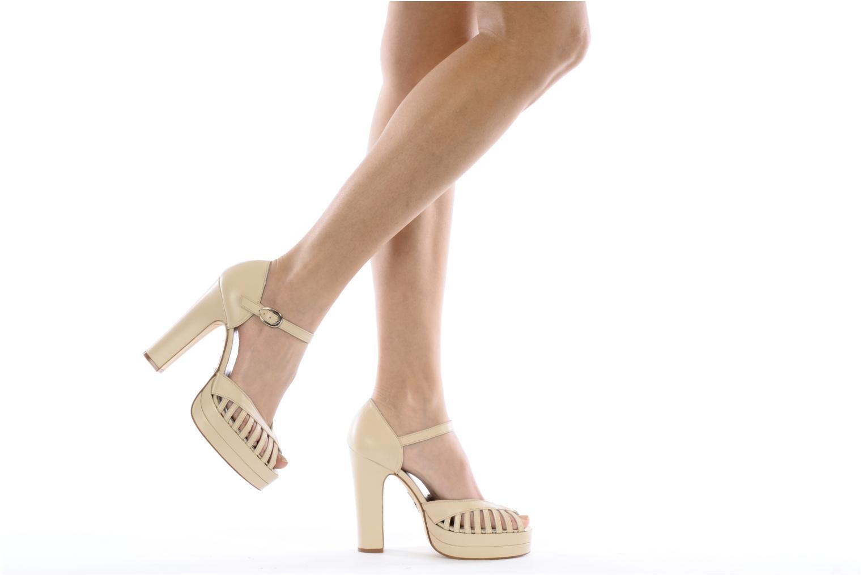High heels Terry de Havilland Charlie Beige view from underneath / model view