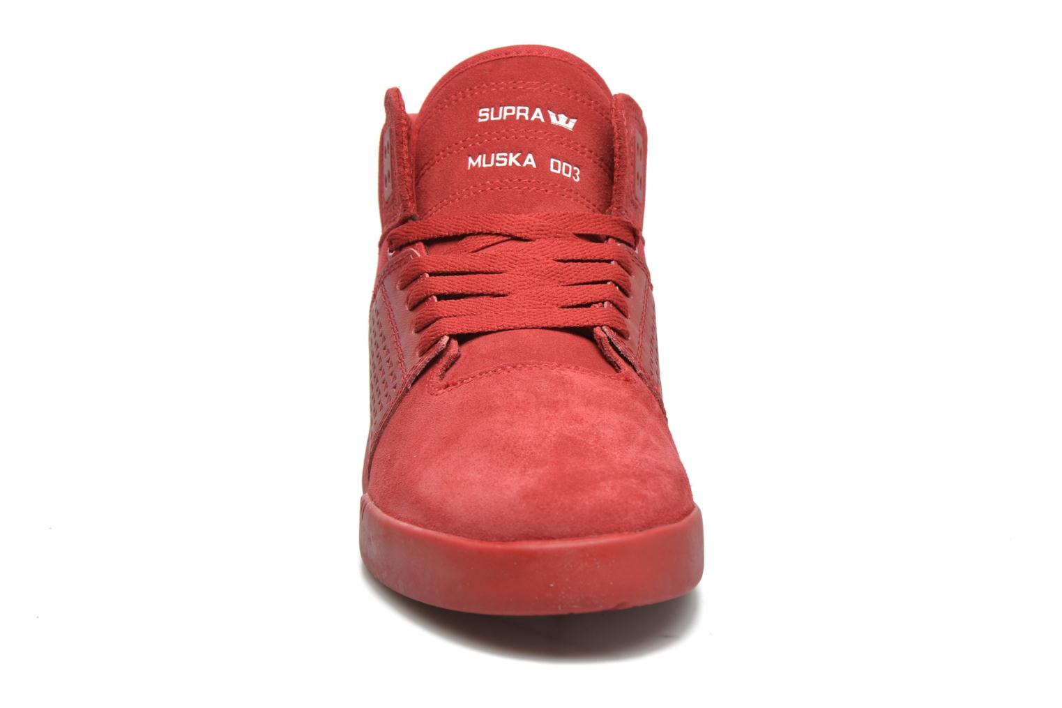 Chaussures de sport Supra Skytop III Rouge vue portées chaussures