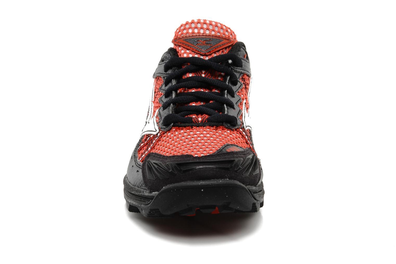 Chaussures de sport Mizuno Wave Harrier 3 W Rouge vue portées chaussures