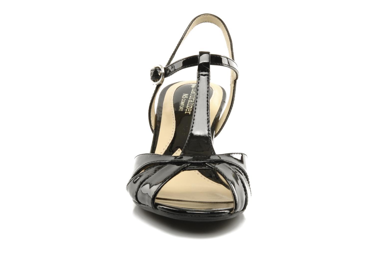 Sandales et nu-pieds Naturalizer Holt Noir vue portées chaussures