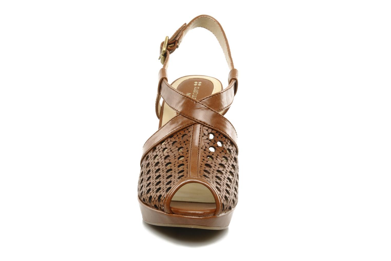 Sandalen Naturalizer Korina braun schuhe getragen