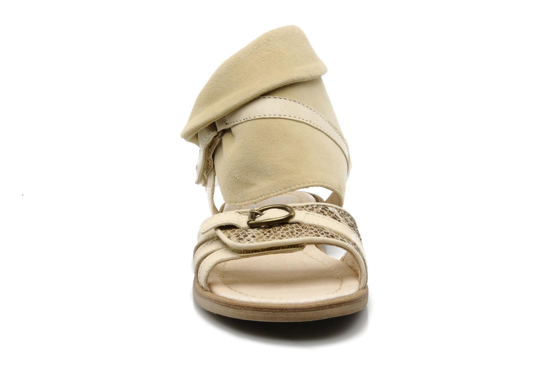 Sandales et nu-pieds Hip Hiloa Beige vue portées chaussures