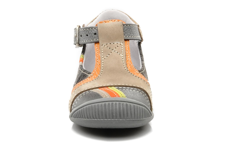 Boots GBB Babyboy 151 Grå bild av skorna på