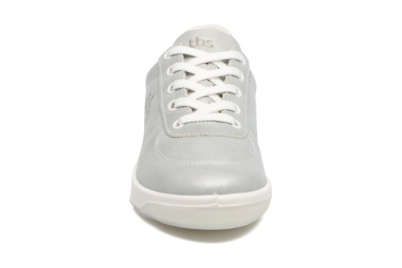 Sneaker TBS Easy Walk Brandy silber schuhe getragen