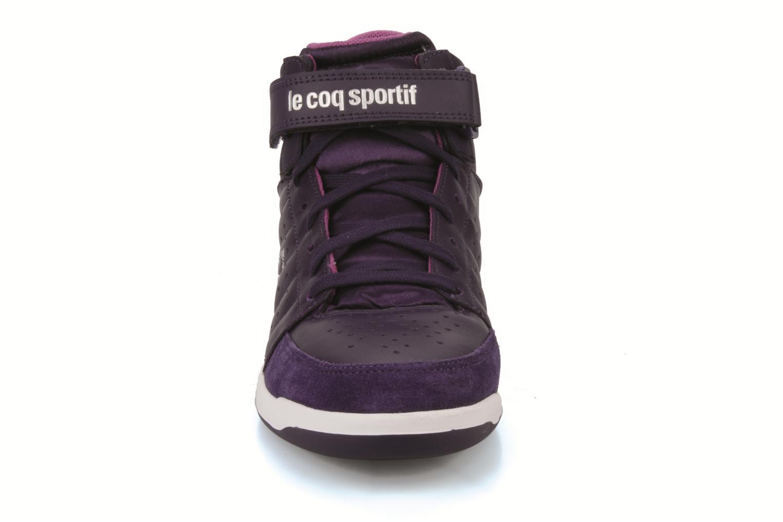 Sneakers Le Coq Sportif Diamond Lea/Satin Viola modello indossato
