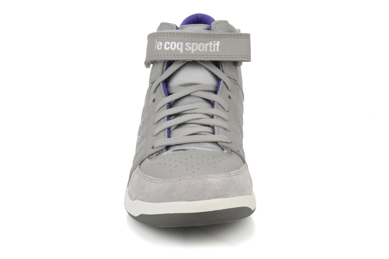 Sneakers Le Coq Sportif Diamond Lea/Satin Grigio modello indossato