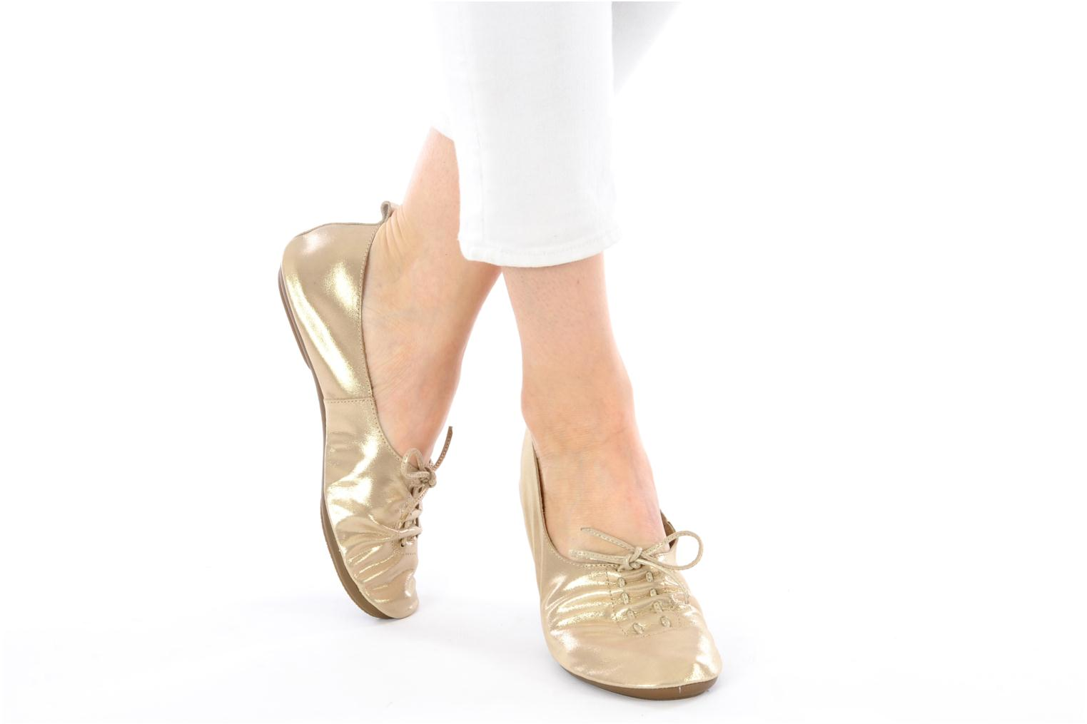 Ballet pumps Chocolate Schubar Daniel Bronze and Gold view from underneath / model view